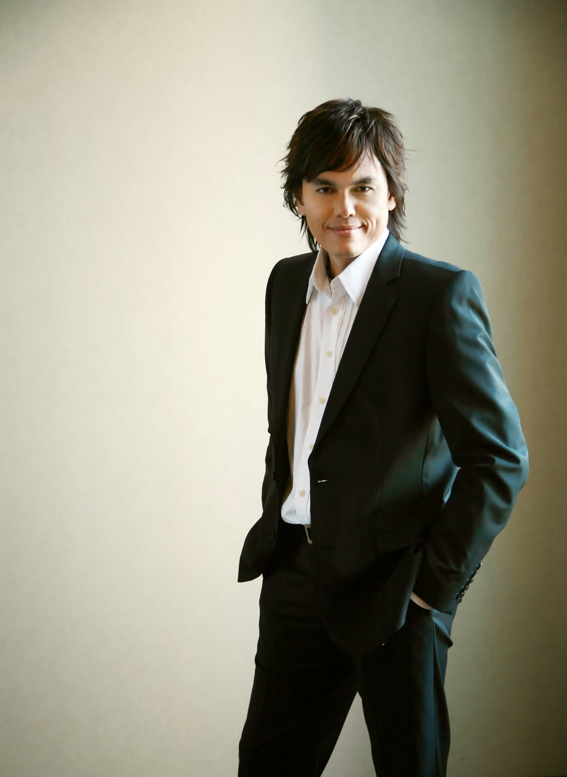 How Old Is Joseph Prince http://vicsmediaroom.wordpress.com/2011/06/